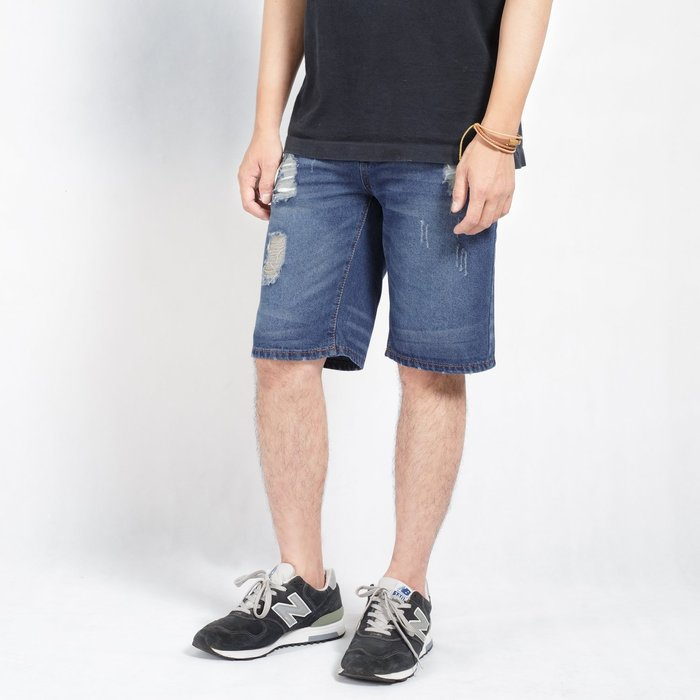 【Random】【水洗破壞牛仔短褲】 水洗 破壞 藍  Denim  L~3XL 現貨