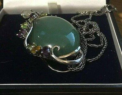 天然無優化藍寶石 彩色寶石鑲嵌純銀臺  翡翠藍寶玉瓍純銀大項鍊因放置一段時間有泛黃黑色用擦銀布擦拭即可。主石超大的 全美