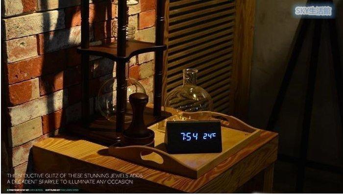 【多寶屋】三角形LED數碼聲控木頭時鐘 桌鐘 電子鐘 創意鬧鐘 時間溫度同時顯示電池USBDB204