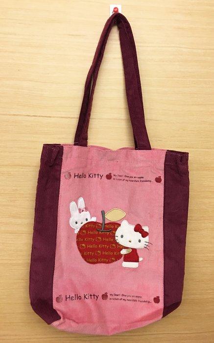 ^燕子部屋 ^凱蒂貓 Hello Kitty 絨布側肩袋 手提袋-蘋果