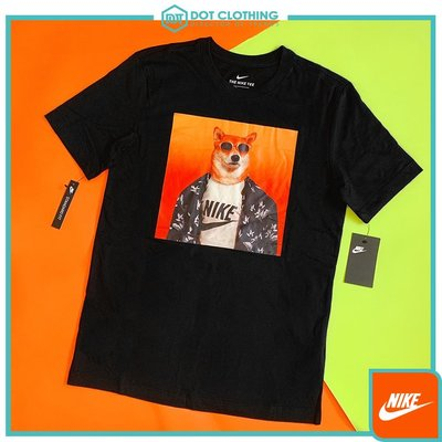 DOT 聚點 Nike NSW TEE Story Pack 12 柴犬 黑色 墨鏡狗 照片 男款 BQ0186-010