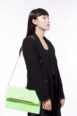 Carefree 防水信封包 螢光綠 側背包 肩背包 手拿包 手提包 鏈帶包 晚宴包