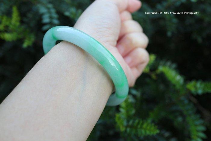 PNJ Natural Jadeite A Jade No.27051 天然翡翠 內徑58mm, 寬約9mm