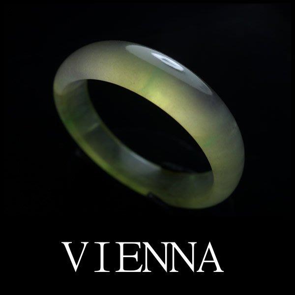 【VIENNA】《手圍16.8/14mm版寬》緬甸玉/玻璃種泛光楓糖綠飄葉/玉鐲/手鐲R+^/Y04