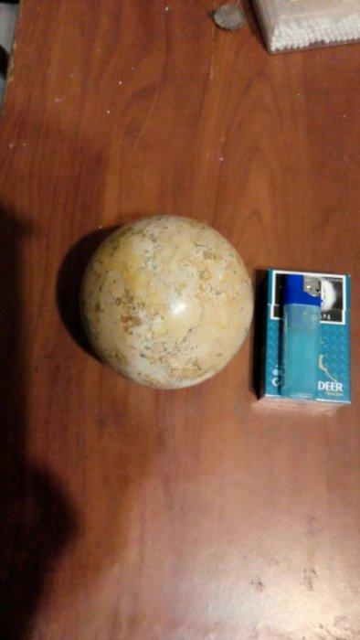 雅石98mm直徑(材質不知)-照片與實體相符-以前買來觀賞的-現在想賣了
