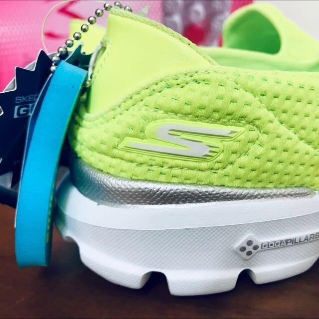 全新正貨保證有發票證明Skechers GO WALK3 -14047 LIME 螢光黃 運動休閒慢跑健走鞋尺寸22.5