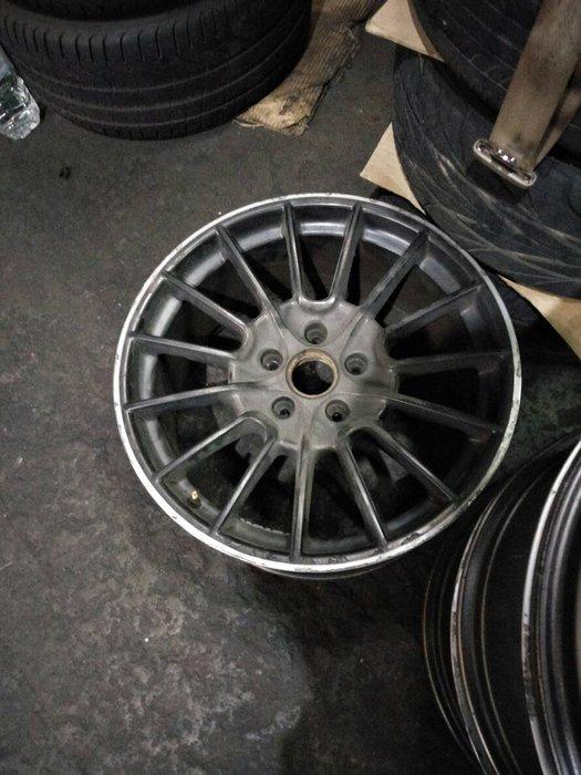 DJD19062702 全車系鋁圈 烤漆整新服務 依現場報價為準