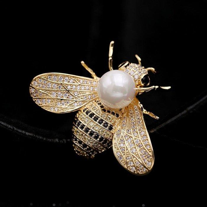 Lissom韓國代購~氣質秋冬新品滿鉆鋯石蜜蜂珍珠胸針別針項鍊雙用時尚外套配飾女