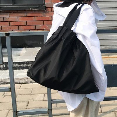 SeyeS {韓國空運} NYLON復古古著時尚壓摺黑色大容量手提/肩背/斜背三用包