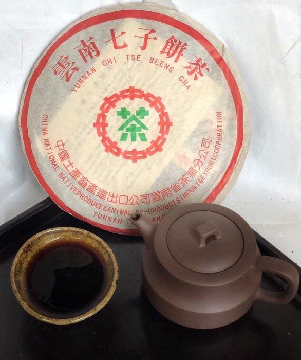 天使熊小舖~雲南七子餅茶 熟茶2000年港商訂制357克乾倉存放現貨 茶枝粗壯肥沃甘甜茶氣