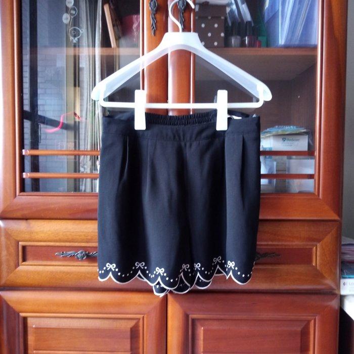 H2O專櫃 蝴蝶結刺繡花邊褲裙 黑色 M