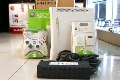 【青蘋果3C競標】XBox 360 Console 白 遊戲主機  二手遊戲主機 #33662
