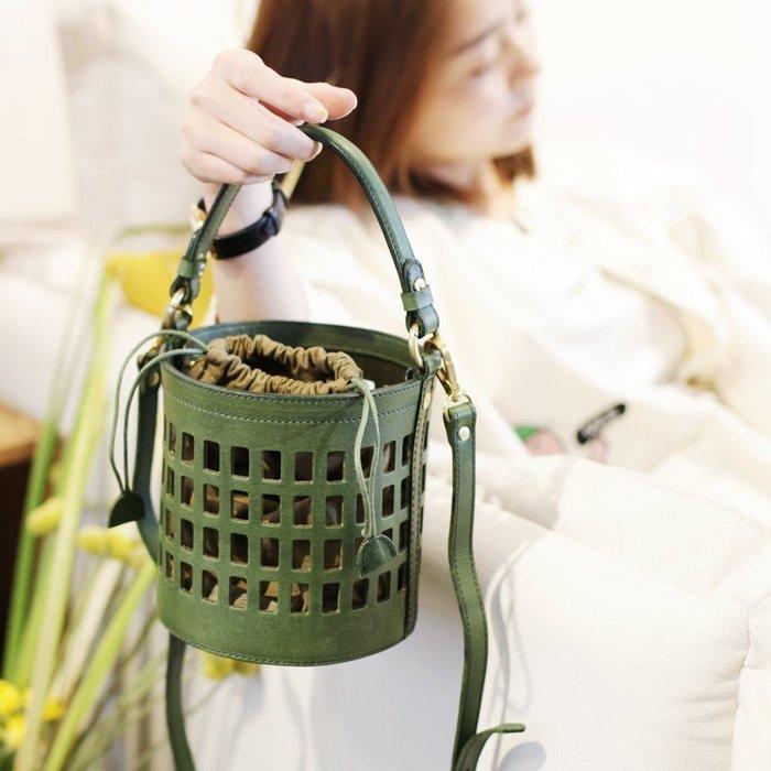 頭層牛皮鏤空水桶包仙女斜挎包夏天小清新可愛日系手提包女小桶包