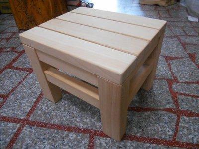 100%全台灣檜木造型自然風小凳子造型味道濃郁特價出清請先詢問庫存