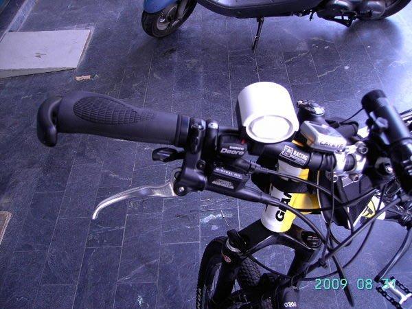 5折出清)(POKO) 自行車.腳踏車專用電子式 蜂鳴 鈴鐺(送電池) 電子鈴鐺 超酷炫鬧鈴.警示鈴,警鈴,