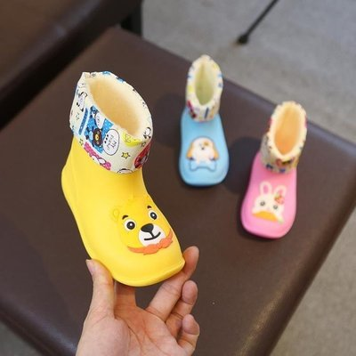 哆啦本鋪 寶寶雨鞋男童女童水鞋雨靴防滑嬰幼兒童幼兒園加絨四季通用 D655