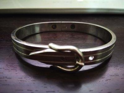 特別設計銀手環