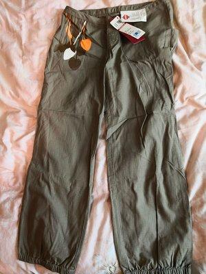 全新Levi's 休閒長褲