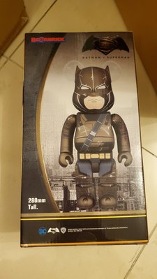 全新 Medicom 蝙蝠俠 DC comics 400% Armored Batman v Superman Be@rbrick Bearbrick
