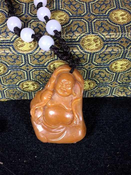典藏級珍藏~~國寶壽山石--石帝--開門正田  9.52克 (附證書) 藏家託拍~早期舊藏~油潤凝膩