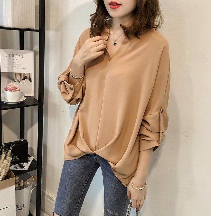 現貨 韓版大尺碼女裝 寬鬆碼蝙蝠衫 打底衫 百搭款 V領棉麻襯衫