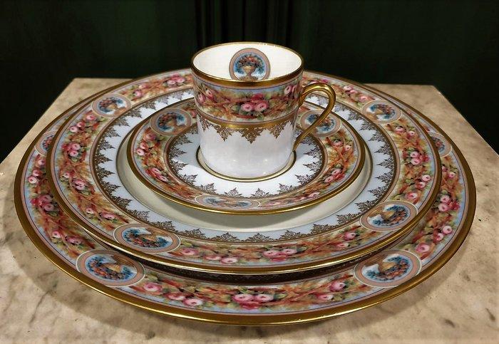 【卡卡頌 歐洲古董】💐法國老件~Limoges 嬌豔欲滴 花蕾满枝 玫瑰園 三件 咖啡杯碟組p1809