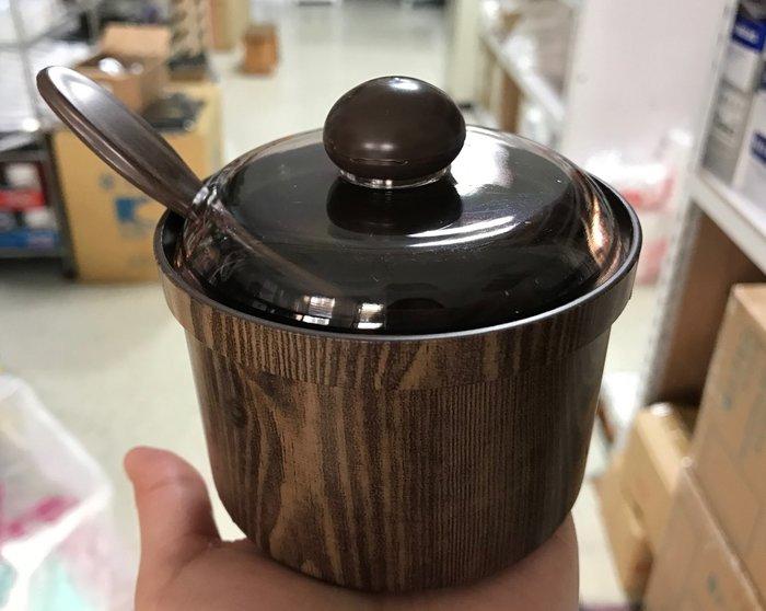 【無敵餐具】韓國製木紋佐料罐附匙(9x6cm)醬料罐 【Y0031】