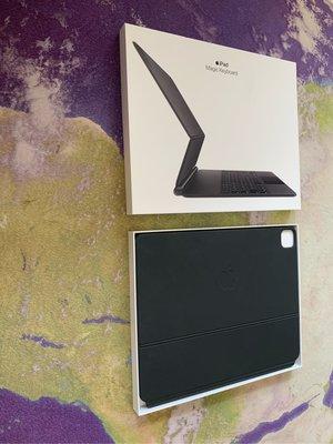 剛買三個月保固內巧控鍵盤 MJQK3TA 12.9吋 iPad Pro (第4、5代) - 中文 (注音) Magic Keyboard