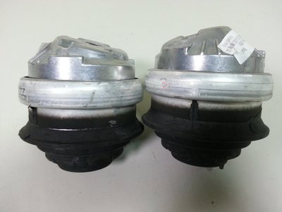 BENZ W203 M112 2000-2007 引擎腳 升級強化用 (2顆售價) 2202402717