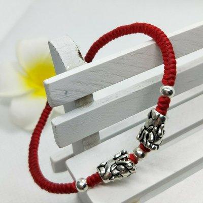 【莎拉小舖】S925純銀雙貔貅 轉運圓珠 蠶絲蠟線 手工編織紅繩手環 招財化煞手鍊