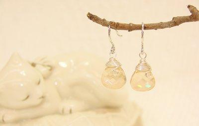 簡單大方 香檳金梨型水晶垂墬耳環˙Ji...