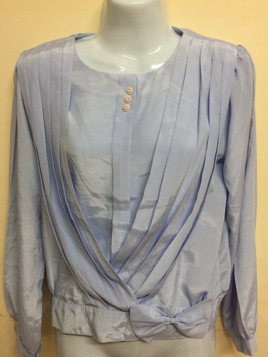 淡藍紫絲質衣