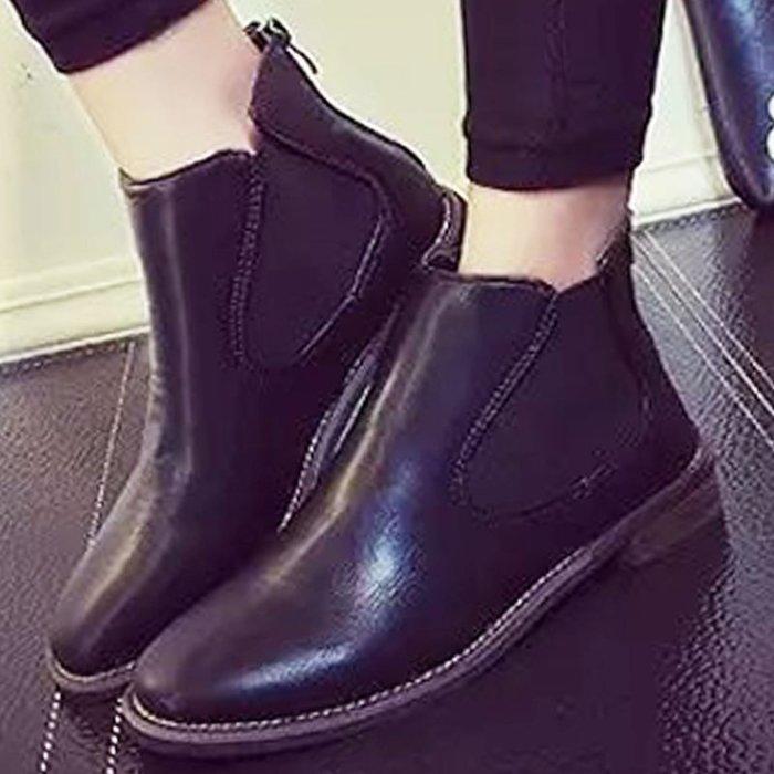 小NG品  現貨 【S1450-1】短靴 時尚皮革鬆緊後拉鍊低跟短靴☆雙兒網☆