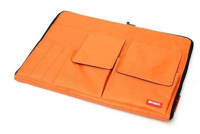 【優力文具】日本LIHIT LAB. A4多功能分類收納包(A-7554 薄型袋中袋)*亮橘色
