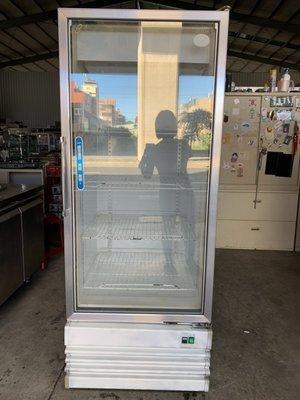 大高雄冠均二手貨家具(全省買賣)---單門玻璃冰箱    玻璃冰箱    小菜冰箱    物況好    便宜出售