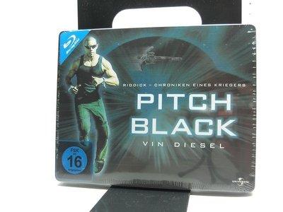 【正版BD】Pitch Black - Limited Quersteelbook (星際傳奇)德版.鐵盒.有中文字幕