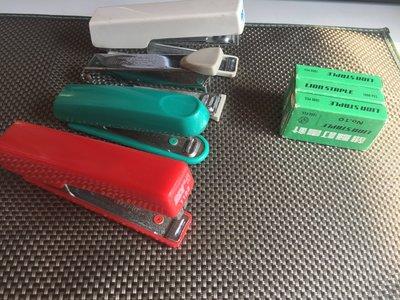4支 2手釘書機 賣100元