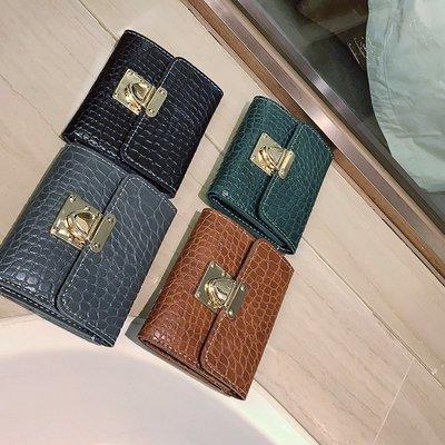 包包 手拿包 錢包 方包 皮甲鱷魚紋包包女2017新款韓版時尚潮簡約插鎖短款錢包三折疊手拿錢夾
