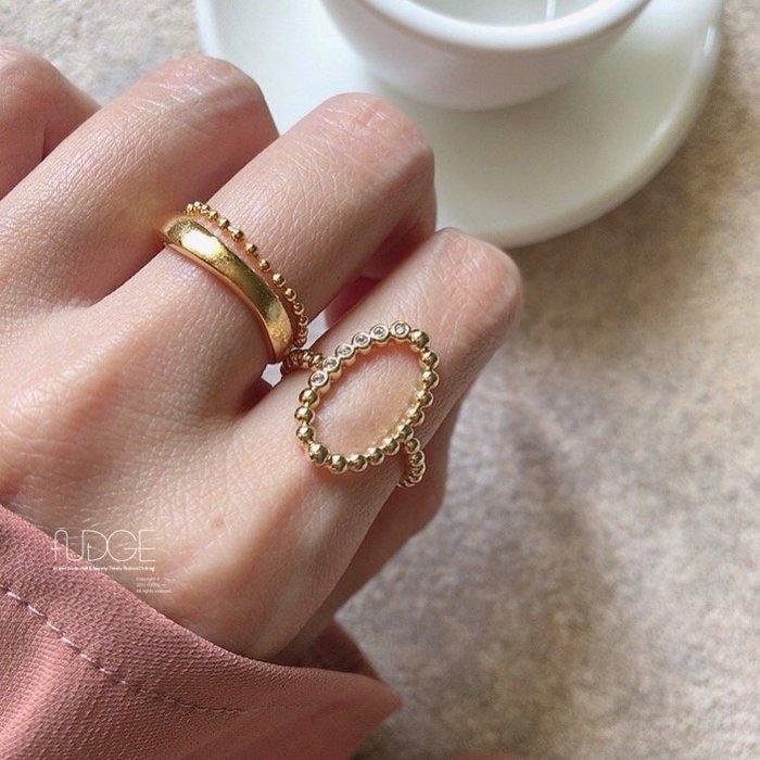 FUDGE法橘 / 正韓 風格DOT圓點造型橢圓鏤空寬戒指/LR20505