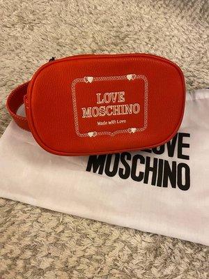 98 新以上 歐洲專櫃買回 買回來只有收藏 MOSCHINO logo plaque belt bag 女腰包/胸口包