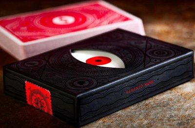 【USPCC撲克】Memento mori red 紅眼Playing Cards *牌盒有小壓,介意勿下標喔*