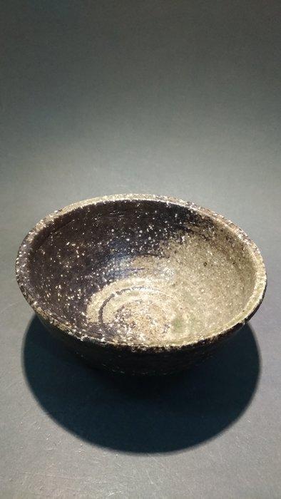 ☆清沁苑☆日本茶道具~無名異燒 手作 岩礦肌茶碗~d427