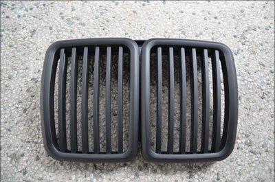 {阿勳精品}~ BMW E30 全新外銷A級款消光黑水箱護罩..