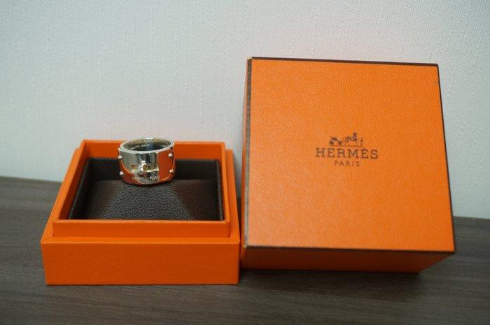 J-Shop香港代購 全新 愛馬仕 HERMES 男女可戴款 KELLY扣造型 純銀戒指 52號現貨