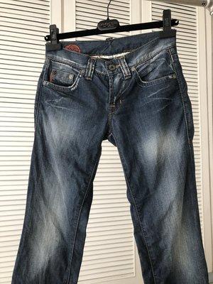 HUGO BOSS藍色牛仔褲