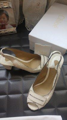 Chloe 白蟒蛇皮中跟魚口涼鞋 原價$37600