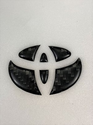 方向盤 For TOYOTA ALTIS YARIS CAMRY WISH 真碳纖維 實體嵌入 原廠徽章 貼紙