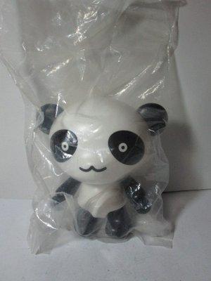 《瑋哥童趣屋》 NISSAN 熊貓 公仔娃娃 撲滿/ 存錢筒~(尺寸高約:14 cm)