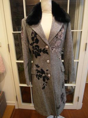 浪漫滿屋 女裝ARDOR(M)香港製&上衣.外套.背心.帽T.系列.......282