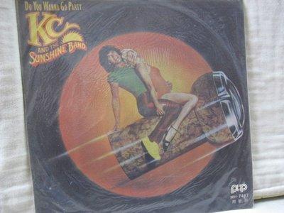 二手舖 NO.2137 黑膠 西洋 KC and the Sunshine band